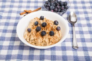 Oatmeal with Blueberries and Cinnamon